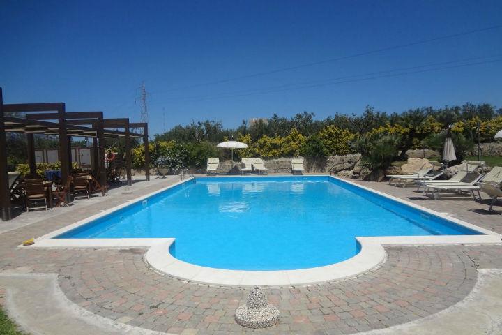 agriturismo con piscina trapani